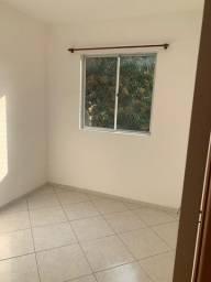 Vende-se apartamento 3 qts, 1 vaga, 2° andar, quitado