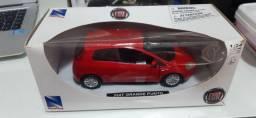 Miniatura Fiat Punto 1:24