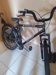 Vendo essa bike , toda no rolamento, e caia caxao