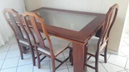 Mesa mogno com 6 cadeiras