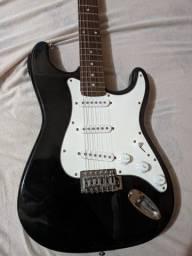 Guitarra Stratocaster regulada (Troco por violão ou vendo)