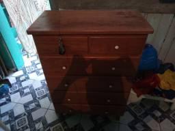 Vendo essa cômoda toda de madeira bem reforçada com gaveta bem espaçosa e bem funda