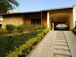Conforto,beleza,segurança,bem estar, são algumas definições para esta excelente residência
