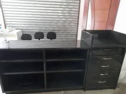 Balcão com gaveteiro
