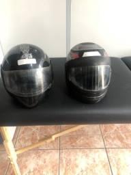 2 capacetes por 50$ reais