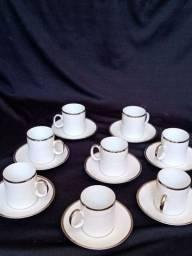 Conjunto cafezinho porcelana Renner Medallion