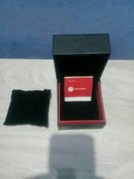 Caixa de Relógio TECHNOS para valorizar