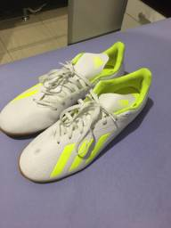 Tênis de futsal Adidas original