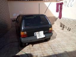 Vendo carro fiat uno 1996 com tudo em dia ipva pago e vintoriado carro muito conservado