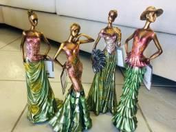 Estatuetas mulheres de época, damas, artigo de decoração em resina