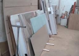 Vendo móveis e material