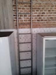 Escada de Inox 304 Para Uso em Farmácias ou Câmara Fria