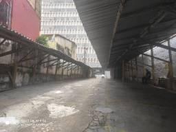 Alugo estacionamento 420 m2