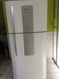 Geladeira Electrolux DF80 Frosfree