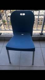 4 cadeiras disponíveis R$75,00 cada