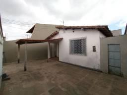 Alugo Casa Bem Localizada no Habitacional Turu na Rua 20 3Quartos
