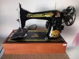 Máquina de costura flyprompt