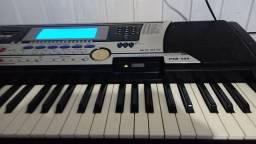 Vendo teclado yamaha psr 550 valor $ 1.000 mil reais
