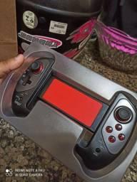 Vendo este controle ótimo para jogar em celulares e tablets.