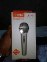 Microfone com fio lelong entrego