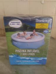 Piscina inflável 2.300 litros