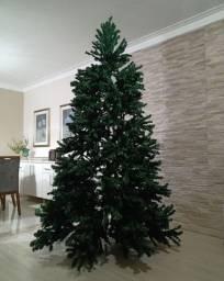 Árvore de Natal em ótimo estado