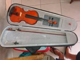 Violino seminovo sem a corda mi (acompanha uma corda extra)