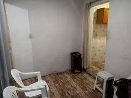 Casa em São Caetano 1/4 podendo transformar em 2/4 perto da Padaria São Jorge