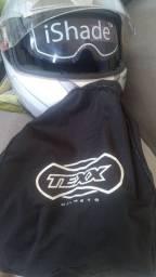 Bauleto e capacete da texx com a bolsa.
