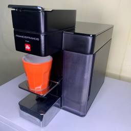 Cafeteira illy Espresso (Melhor café do mundo)