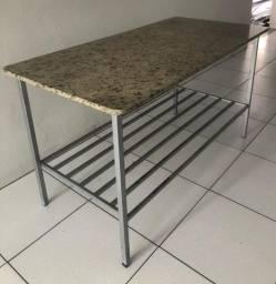 Vende-se mesa para cozinha industrial
