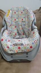 Carrinho de bebê e bebê conforto Graco