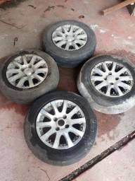 Rodão 13, quatro rodas pneus não estão bons