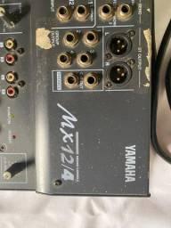 Mesa De Som Yamaha Mx 12/4 - 12 Canais
