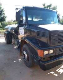 Troco caminhão em casa em Teresina