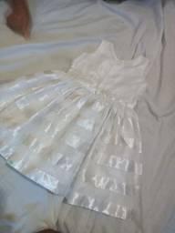 Vestido infantil semi-novo.