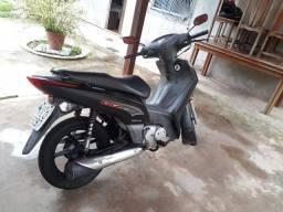 Vendo moto biz 125 ex