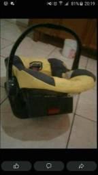 Vendo bebê conforto usado chama no zap *