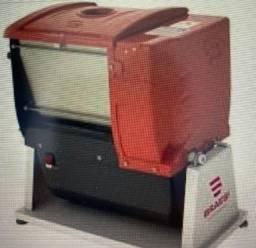 Masseira 5 Kg Amassadeira Basculante - Braesi -**usada somente 2 vezes**