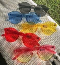 Óculos feminino na cor rosa somente NOVO