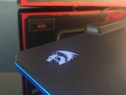 Mousepad FPS rígido com RGB top da redragon
