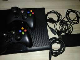 Vendo Xbox 360 Bloqueado semi novo