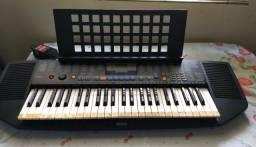 teclado yamaha modelo psr-78 em ótimo estado, com fonte e apoio para partitura.