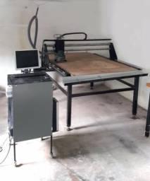 Router CNC 1200 x 1500 mm área útil. Pronta para uso industrial