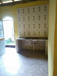 Vende-se uma casa em Presidênte Figueiredo, Amazonas.
