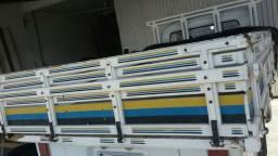 Vendo carroceria de madeira kombi