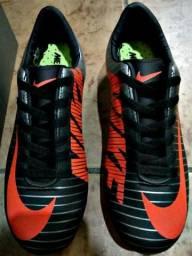 Chuteira Nike Mercurial - N° 39/40 - Campo