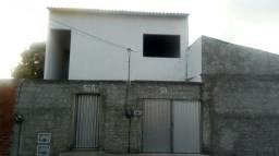 Vende-se duas casas na pajuçara( uma em cima da outra)