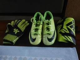 Futebol e acessórios no Brasil  480afb7209561