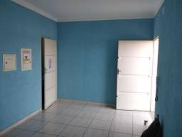 2 cômodos pra alugar com banheiro..